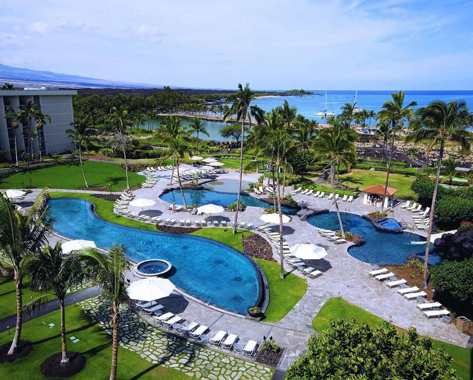 The Waikoloa Beach Marriott on Anaehoomalu Beach is converting a wing into Marriott's Waikoloa Ocean Club. Photo: John De Mello, Marriott