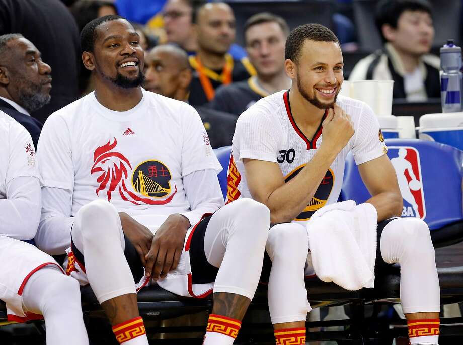 Golden State Warriors  Kevin Durant and Stephen Curry during Warriors   123-92 win f09b3b68d