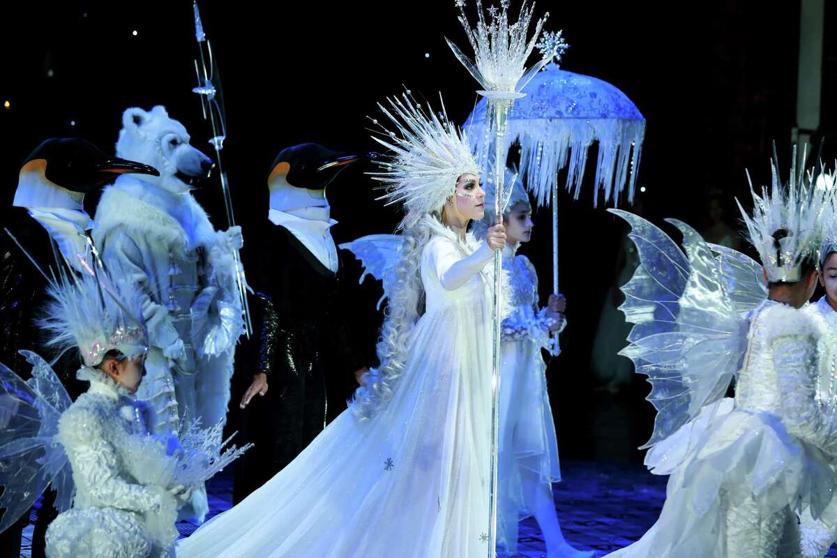 Katharine Precourt as the Snow Queen and other artists of Houston Ballet in Stanton Welch's new production of