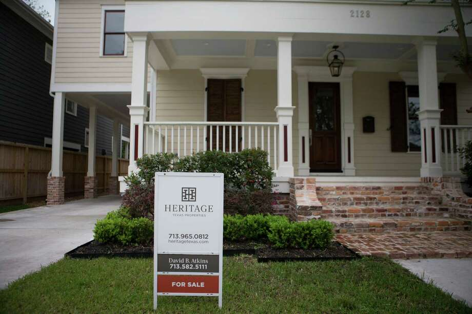 Home with a for sale sign in the corner of East 22nd and Gostick at the Houston Heights, Friday, April 1, 2016, in Houston. Photo: Marie D. De Jesus, Houston Chronicle / © 2016 Houston Chronicle
