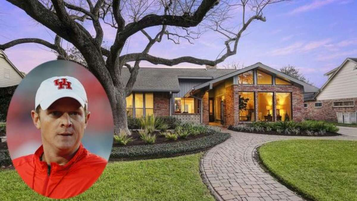 New University of Houston football coach Major Apple white is selling his Houston home. Features inside the 2,948-square-foot house include two main bedrooms, an open floor plan, and a spacious kitchen with stainless-steel appliances, quartz countertops, and marble backsplash. On the market for just a couple of weeks, the home's sale is already pending.