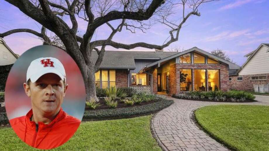 New University of Houston football coach Major Apple white is selling his Houston home. Features inside the 2,948-square-foot house include two main bedrooms, an open floor plan, and a spacious kitchen with stainless-steel appliances, quartz countertops, and marble backsplash. On the market for just a couple of weeks, the home's sale is already pending. Photo: Realtor.com