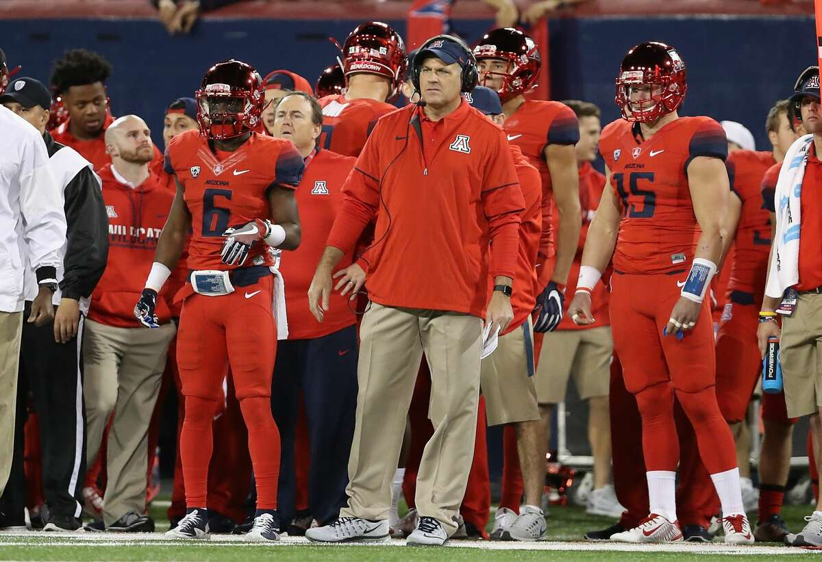 UH'S 2017 FOOTBALL SCHEDULE ARIZONA When: Saturday, Sept. 9 Where: Tucson, Ariz. 2016 record: 3-9 Series: Tied 1-1 Last meeting: Arizona won 37-3 on Sept. 6, 1986