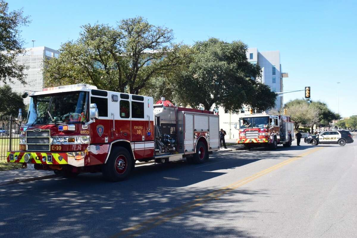 San Antonio firefighters respond to the scene of a reported blaze at the Central Texas Detention Facility in 200 block of South Laredo Street on Thursday, Feb. 9, 2017.