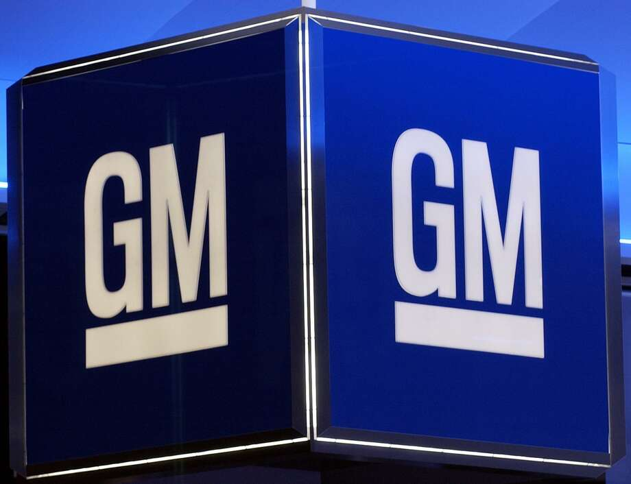General Motors is recalling 107,000 older sports cars worldwide because a faulty sensor can disable the front passenger air bag. Photo: AFP /Getty Images /File Photo / AFP or licensors