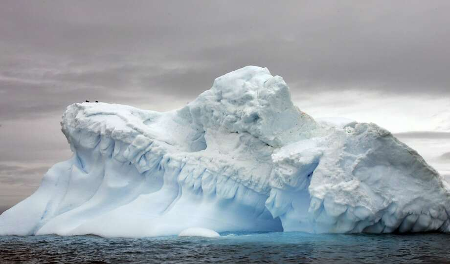 This photo taken in November 2007 shows an ice flow in Antarctica. Photo: RODRIGO ARANGUA, AFP/Getty Images