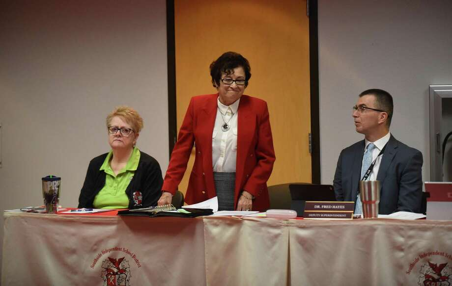 Velia Minjarez, appointed by the Texas Education Agency as the conservator for Southside Independent School District, is introduced at a board meeting on Thursday, February 9, 2017. Photo: Billy Calzada, Staff / San Antonio Express-News / San Antonio Express-News