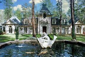 La Maison Demille Bienvenues   Kirbyville, TX 75956   $5,000,000   Interior: 4,677 sq. ft. (approx.)   Land: 33.12 acres (approx.)   More info here.