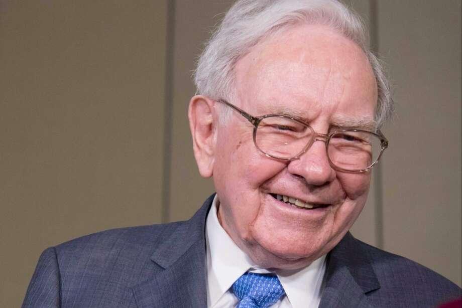 Warren Buffett Photo: Kent Sievers | Shutterstock.com
