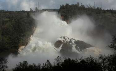 See how empty Lake Oroville was during the drought compared