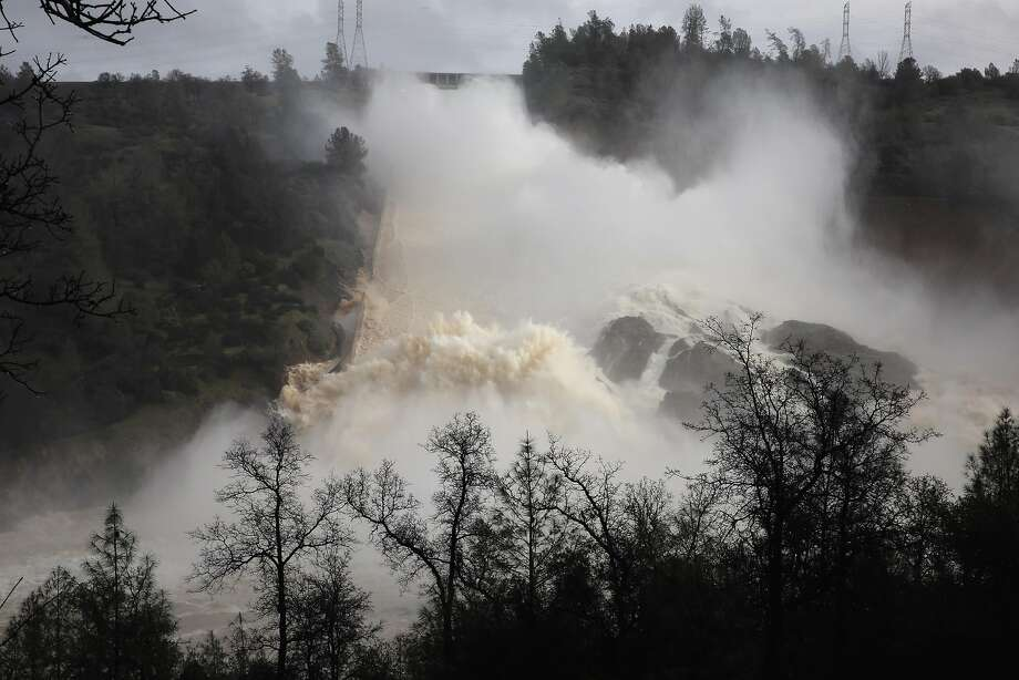 Damage to Oroville Dam spillway worsens — could cost $100