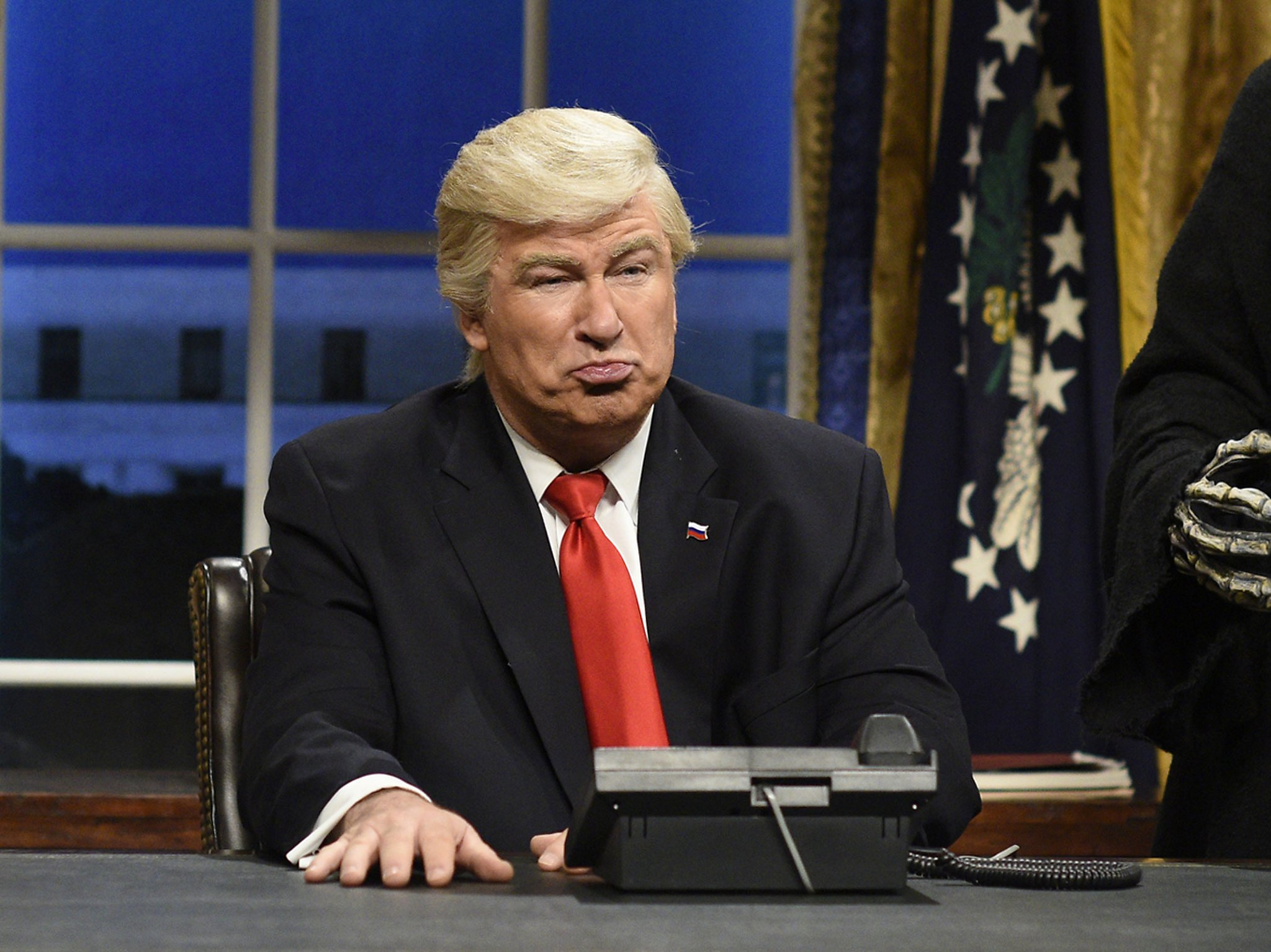 Donald Trump faces ghosts in SNLs Christmas Story sketch Donald Trump faces ghosts in SNLs Christmas Story sketch new pics