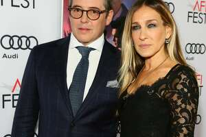 HOLLYWOOD, CA - NOVEMBER 10:  Sarah Jessica Parker (L) and Matthew Broderick arrive at TCL Chinese Theatre on November 10, 2016 in Hollywood, California.  (Photo by Gabriel Olsen/Getty Images for AFI)