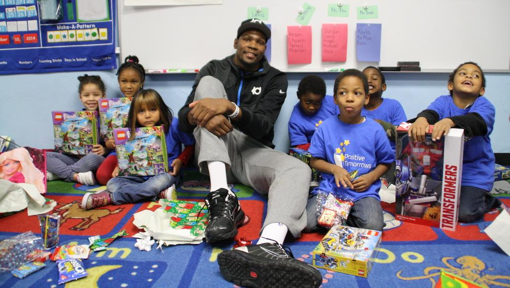 Kevin Durant still a hero to some in Oklahoma City