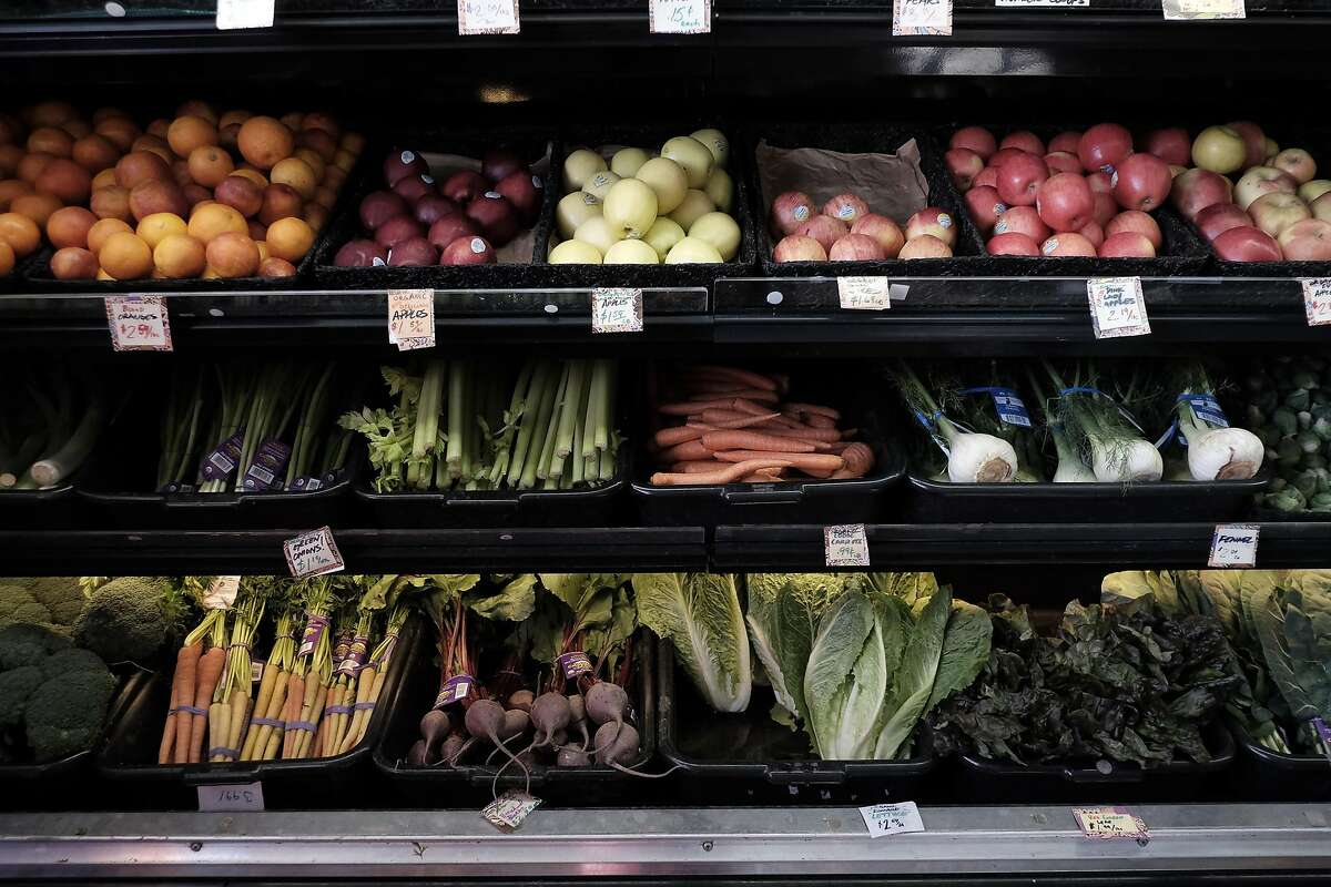 Produce sits on shelves at Mandela Foods Co-op in Oakland, CA on Friday, February 10, 2017.