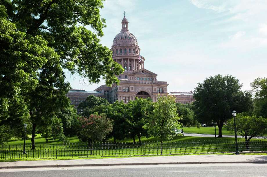 The Texas State Capitol building stands in Austin. (David Williams/Bloomberg) Photo: David Williams, Austin Ridesharing / © 2016 Bloomberg Finance LP