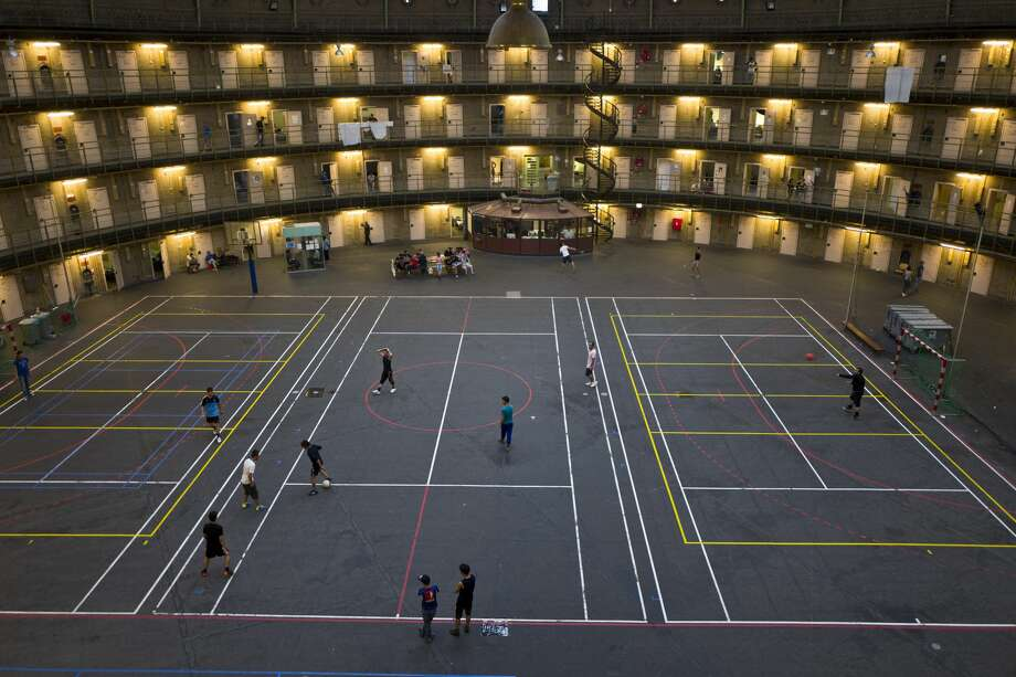Abandoned Dutch Prisons Are Being Used To House Refugees Here S