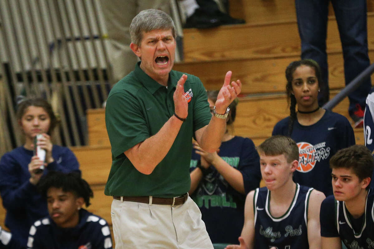 College Park head coach Clifton McNeely guides his team during the varsity boys basketball game against The Woodlands on Friday, Feb. 10, 2017, at The Woodlands High School. (Michael Minasi / Chronicle)