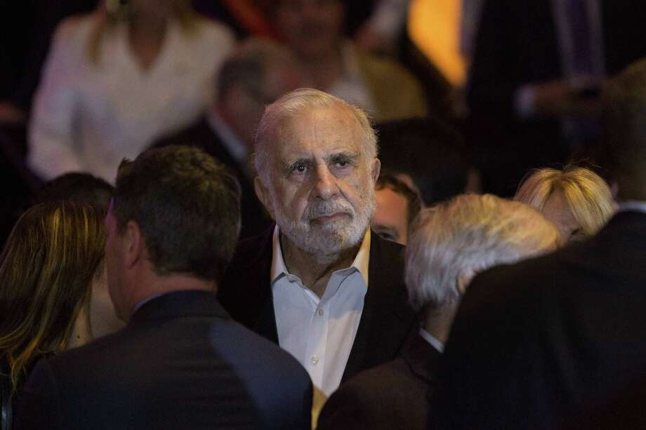 Billionaire activist investor Carl Icahn waits for Donald Trump to speak at an election night event in New York on April 19. (MUST CREDIT: Bloomberg photo by Victor J. Blue) Photo: Victor J. Blue, Stf / Bloomberg