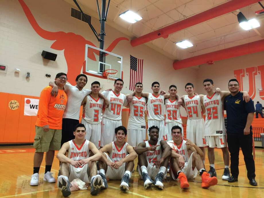 United's seniors beat LBJ 80-51 in their final home game on Friday night to clinch a third straight district title. Photo: Jason Mack / Laredo Morning Times