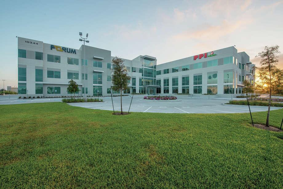 Buchanan Street Partners has purchased Sam Houston Crossing II from Duke Realty.  Photo: Buchanan Street Partners / 2013-All Rights Reserved