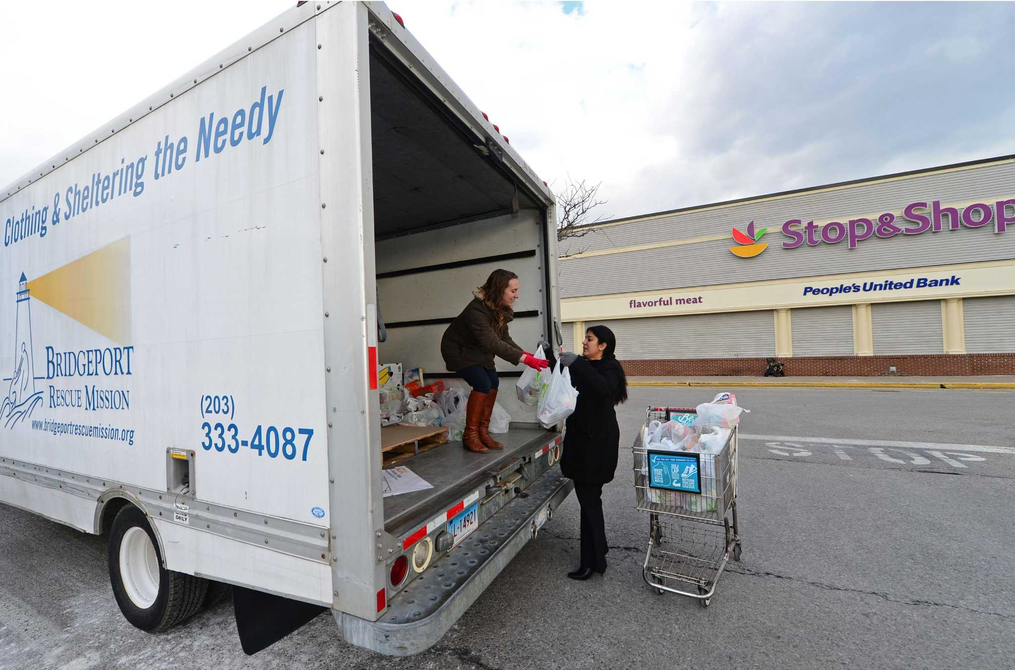 Diageo employees help to feed the needy fairfield citizen