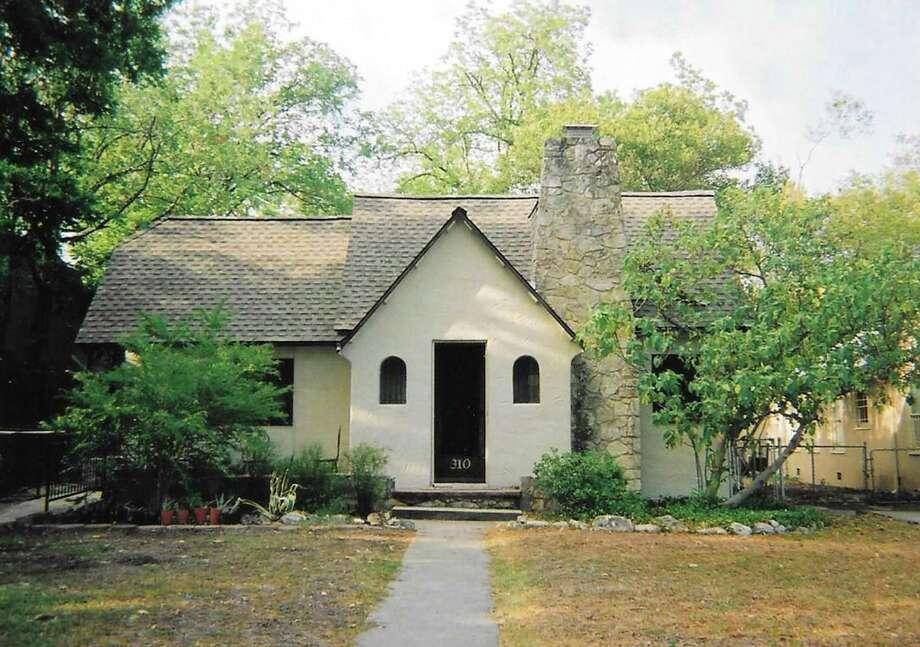 This house on Elmhurst Avenue in Mahncke Park was origi- nally owned by pioneering aviator Maj. William N. Hensley. Photo: Courtesy Photo