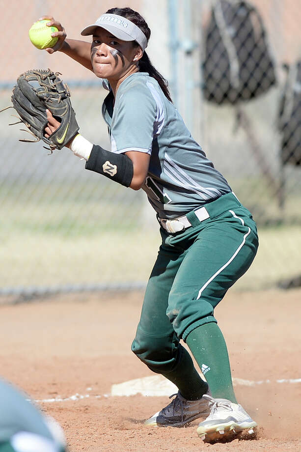 Midland College's Shaycelynn Ho'ohuli throws to first base during the game against Lamar College on Saturday, Feb. 11, 2017, at Chaparral Center. James Durbin/Reporter-Telegram Photo: James Durbin