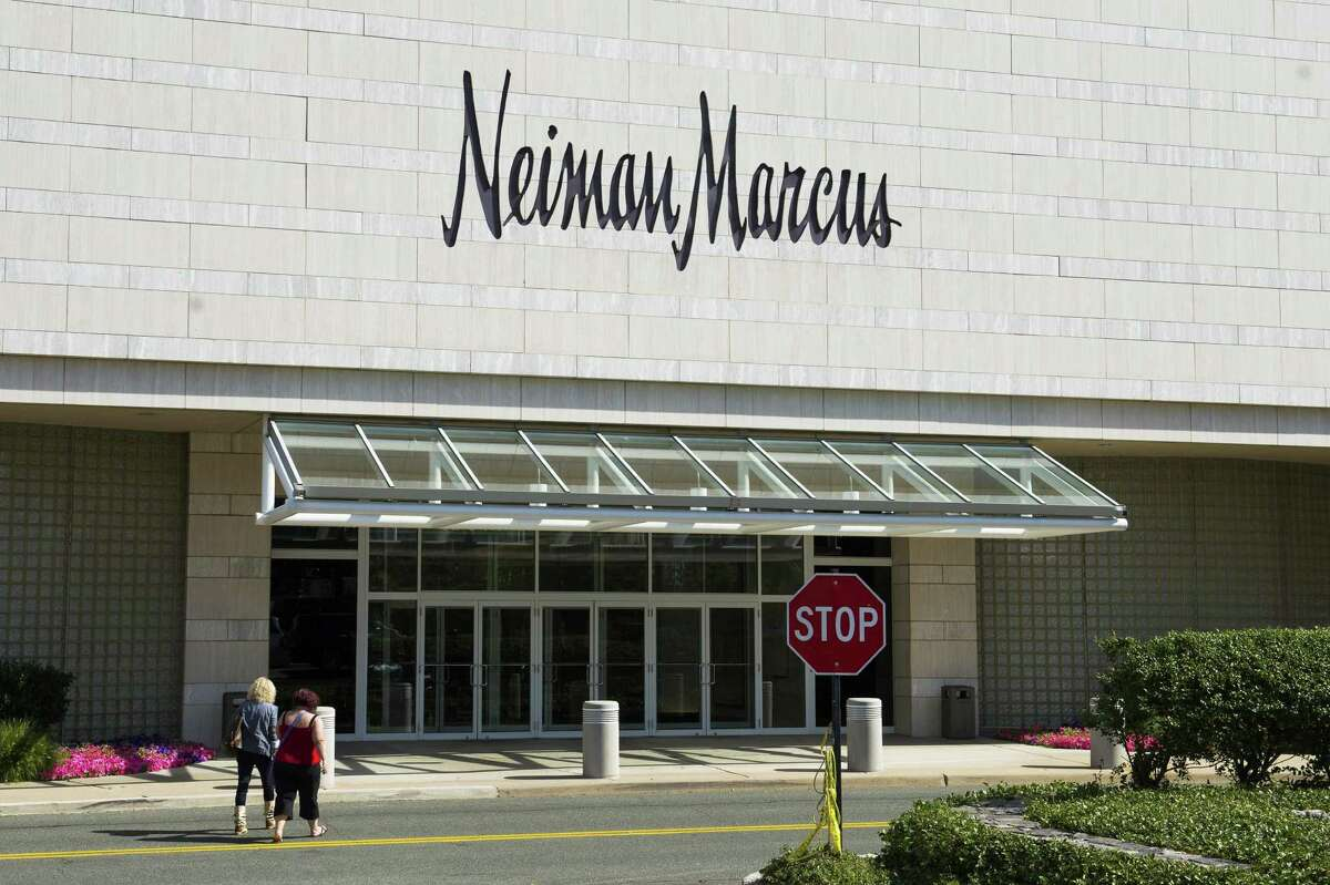 """Neiman Marcus - FRISK score: 1Closest location: White Plains, NY""""Neiman Marcus top-line sales in fiscal 2017 (which ended in July) fell around 5%, to $4.7 billion, compared to 2016."""" - Retail Dive"""