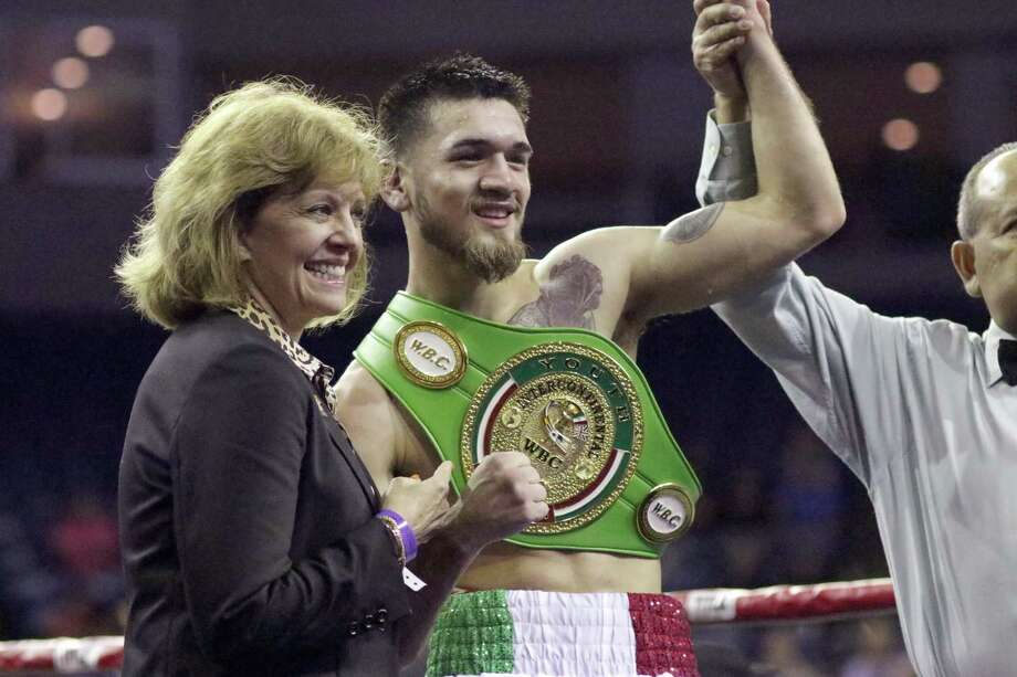 Jorge Castañeda won WBC Youth Intercontinental Super Featherweight championship belt Friday night at the LEA with a technical knockout in the eighth round against Angel Martinez. Photo: Clara Sandoval /Laredo Morning Times