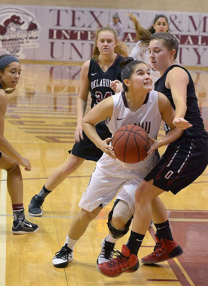 Point guard Joanna Perez had 16 points in the Dustdevils' 73-58 loss on Saturday to Oklahoma Christian. TAMIU tied its season high in points one game after setting a new program low for offense in a game. Photo: Cuate Santos /Laredo Morning Times / Laredo Morning Times