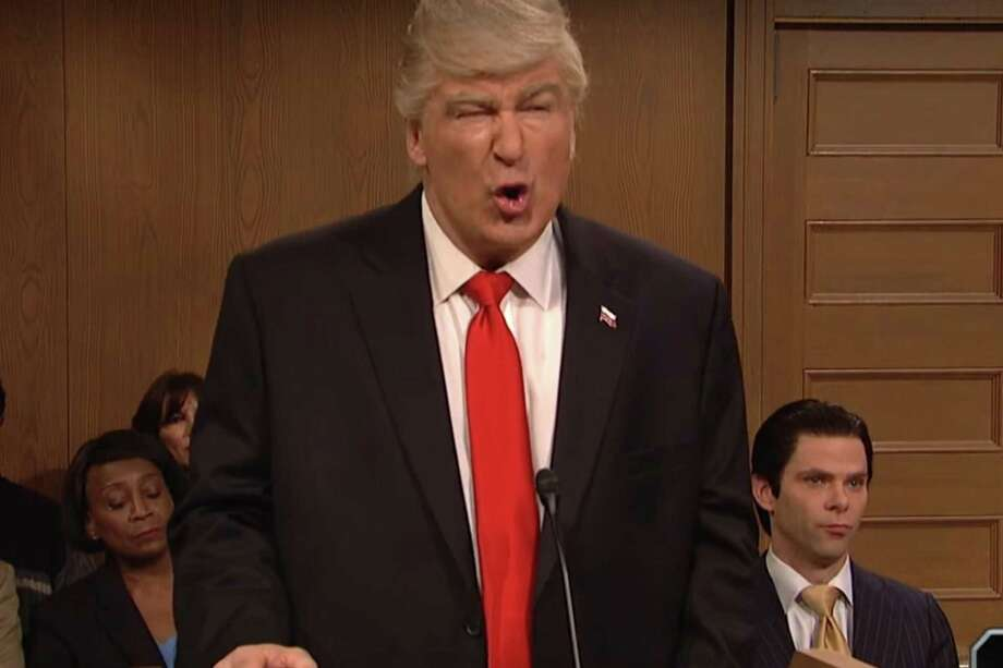 Screaming McCarthy Ratchets It Up on 'SNL' To Slay Spicer Again