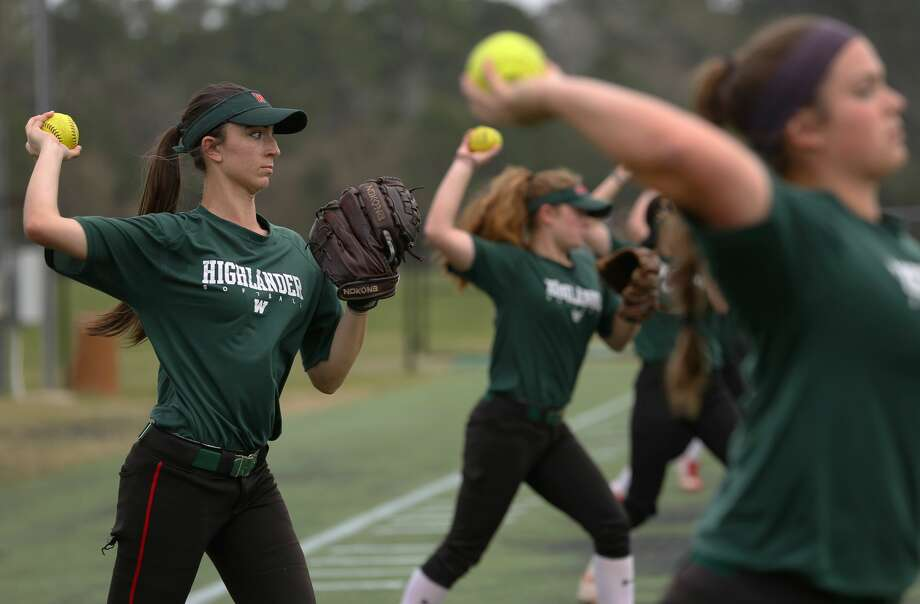 The Woodlands High School junior left fielder Alayis Seneca warms up during practice Friday, Feb. 10, 2017, in The Woodlands. ( Yi-Chin Lee / Houston Chronicle ) Photo: Yi-Chin Lee/Houston Chronicle
