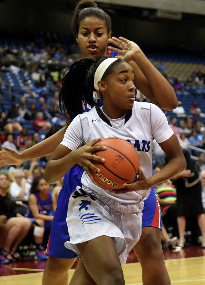Dekaney will rely on junior guard Keishawna Scott to lead the state's fifth-ranked Class 6A team from the backcourt. Dekaney is 29-4 and 14-0 in district.  Photo: Jerry Baker, Freelance