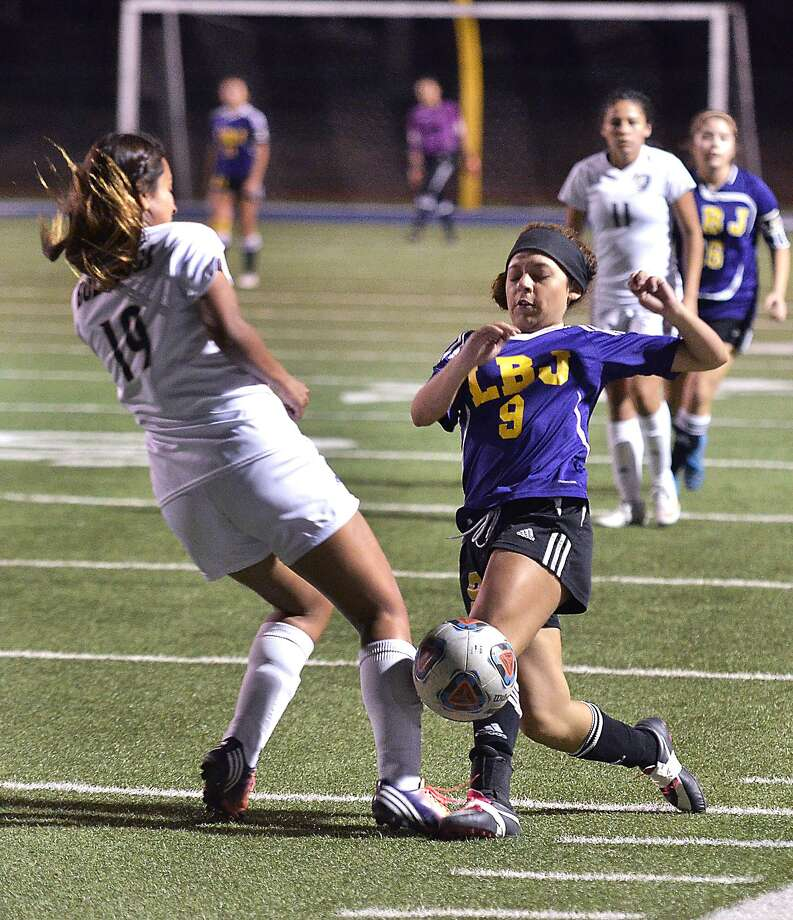 LBJ easily dispatched of Alexander 5-1 is girls' soccer on Wednesday. Photo: Cuate Santos /Laredo Morning Times / Laredo Morning Times
