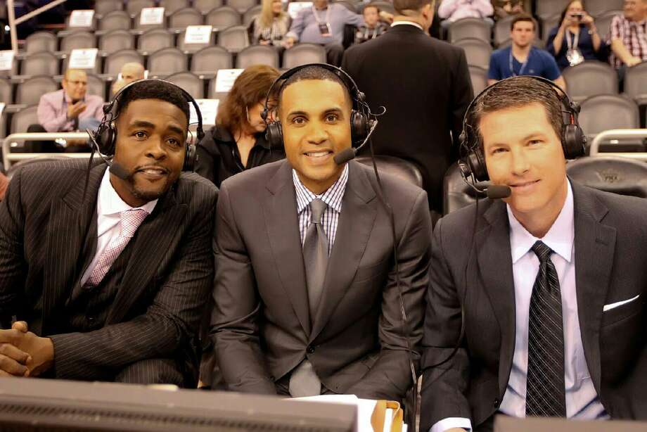 Brian Anderson (right) works an NBA game for TNT in 2015 with former star players Grant Hill (center) and Chris Webber. Photo: Courtesy Photo /Turner Sports
