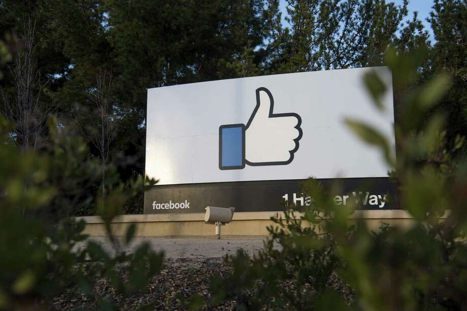 Signage is displayed outside Facebook Inc. headquarters in Menlo Park, California, U.S., on Monday, Jan. 30, 2017. Facebook Inc. is scheduled to release earnings figures on February 1. Photographer: David Paul Morris/Bloomberg Photo: David Paul Morris, Bloomberg / © 2017 Bloomberg Finance LP