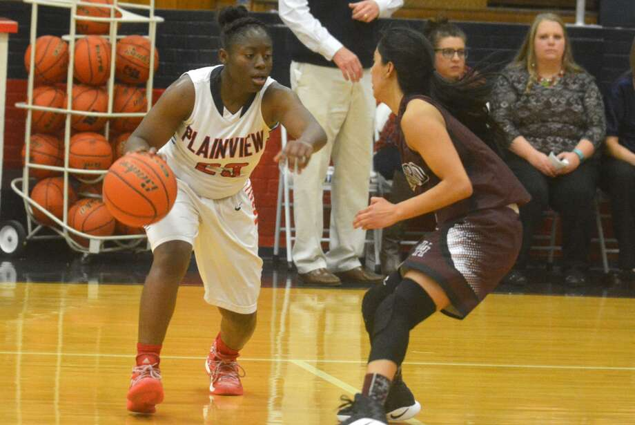Plainview senior point guard Jade Nails, left, tries to find a lane during a game earlier this season. The Lady Bulldogs will take on District 4-5A champion Lubbock Monterey in a bi-district playoff game at 8 p.m. Tuesday at Abernathy High School. Photo: Skip Leon/Plainview Herald