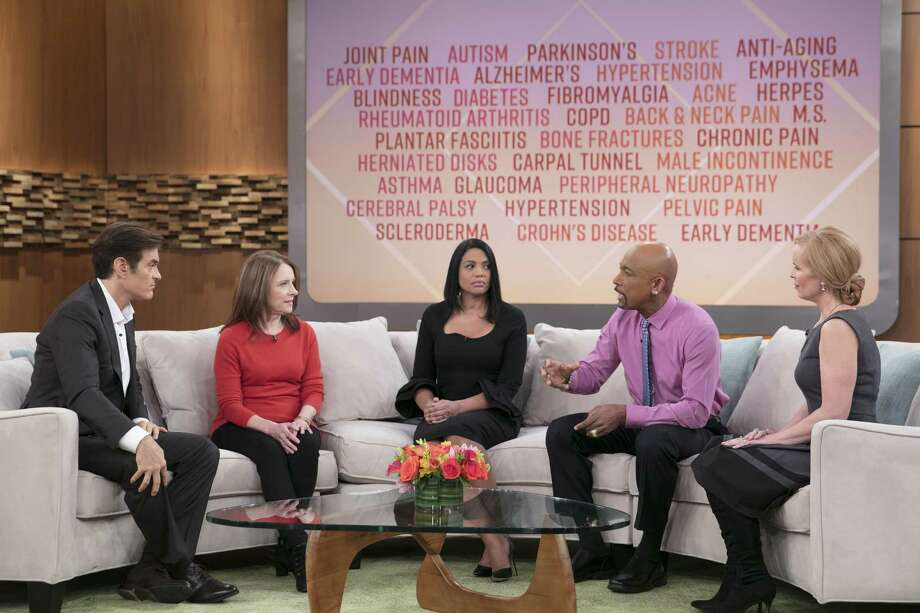 From left are Dr. Oz, researcher Sally Temple, patient Patricia Holman, television personality Montel Williams and Dr. Elisabeth Leamy. (Courtesy Sony Pictures Television)