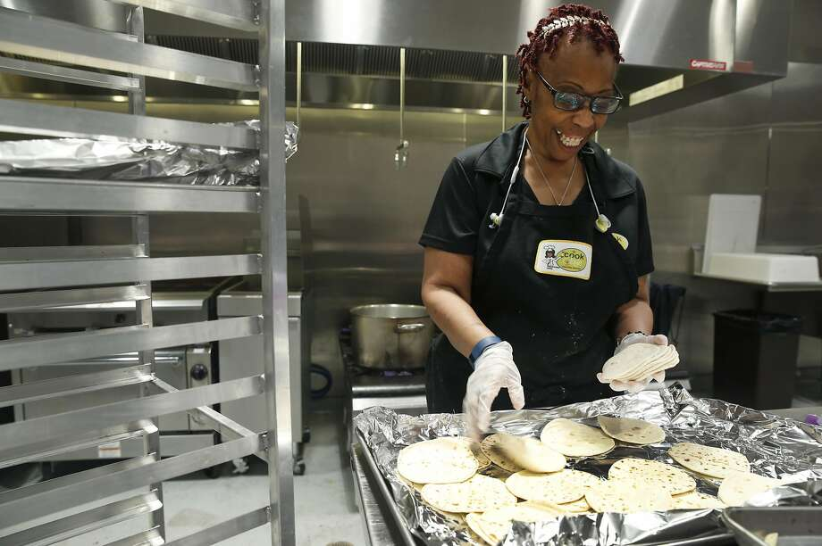 Renee Jackson and her catering business prepare school lunches for students at six schools in Oakland. Photo: Paul Chinn, The Chronicle