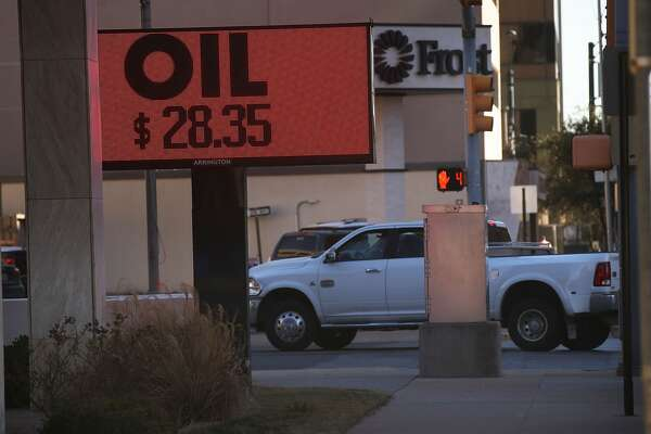 MIDLAND, TX - JANUARY 20: The price of oil is shown downtown on January 21, 2016 in the oil town of Midland, Texas. Despite recent drops in the price of oil, many residents of Andrews, and similar towns across the Permian, are trying to take the long view and stay optimistic. The Dow Jones industrial average plunged 540 points on Wednesday after crude oil plummeted another 7% and crashed below $27 a barrel.  (Photo by Spencer Platt/Getty Images)