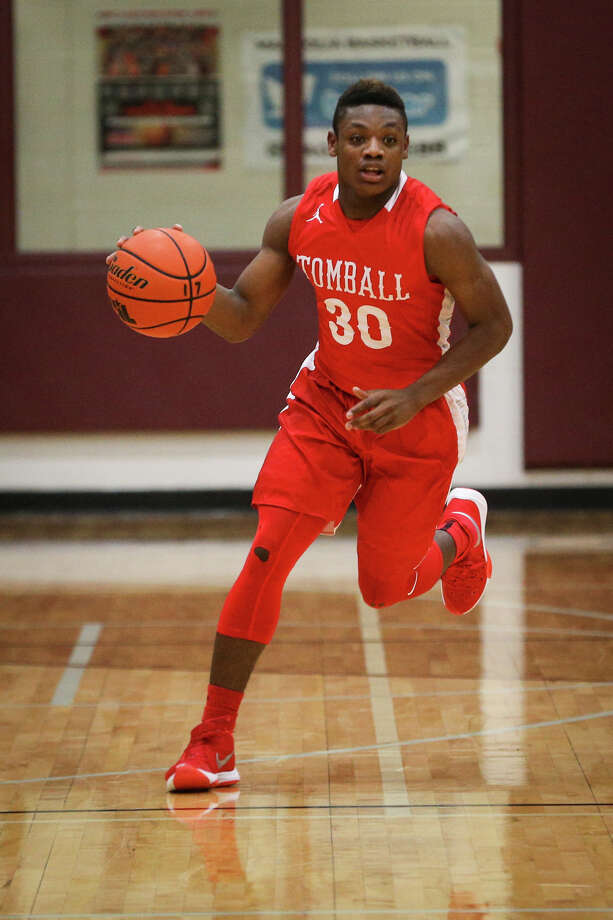 The Cougars are coming off back-to-back 20-win seasons and will build on that success with a motion offense that emphasizes high-percentage shots a hard-nosed defense. Senior guard Tybo Taylor,  a 5-10 point guard who was a first-team all-district pick last season, will play a key role this year. Photo: Michael Minasi, Staff Photographer / © 2017 Houston Chronicle