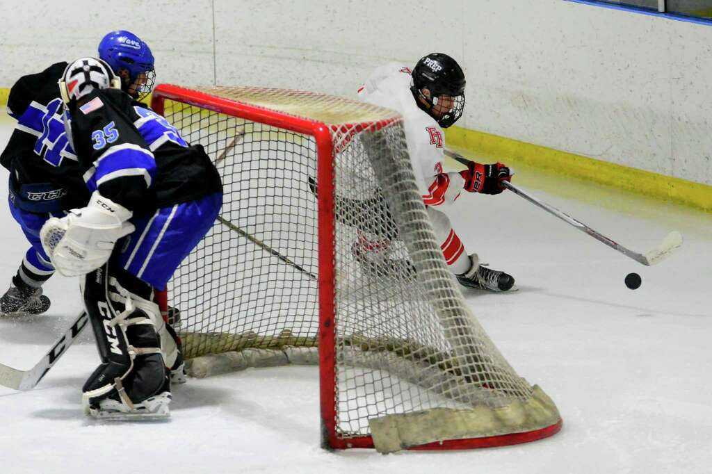 CT H.S.: Fairfield Prep Hockey Handles Darien