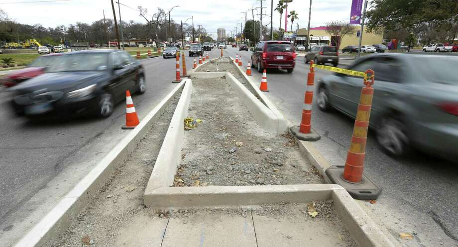 """A Z-crossing on Broadway between Lions Field and the DoSeum helps pedestrians. CityHealth gave San Antonio a """"silver medal"""" for policies promoting safe streets. Photo: William Luther /San Antonio Express-News / © 2016 San Antonio Express-News"""