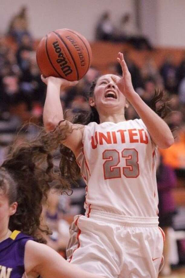 United's Natalia Trevino scored 30 points and scored with less than five seconds remaining in a 64-62 win over McAllen Memorial Tuesday afternoon. Photo: Clara Sandoval / Laredo Morning Times File