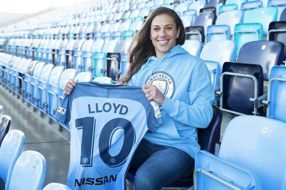 Carli Lloyd officially signed with Manchester City on Wednesday. Photo: Manchester City Women's Football Club