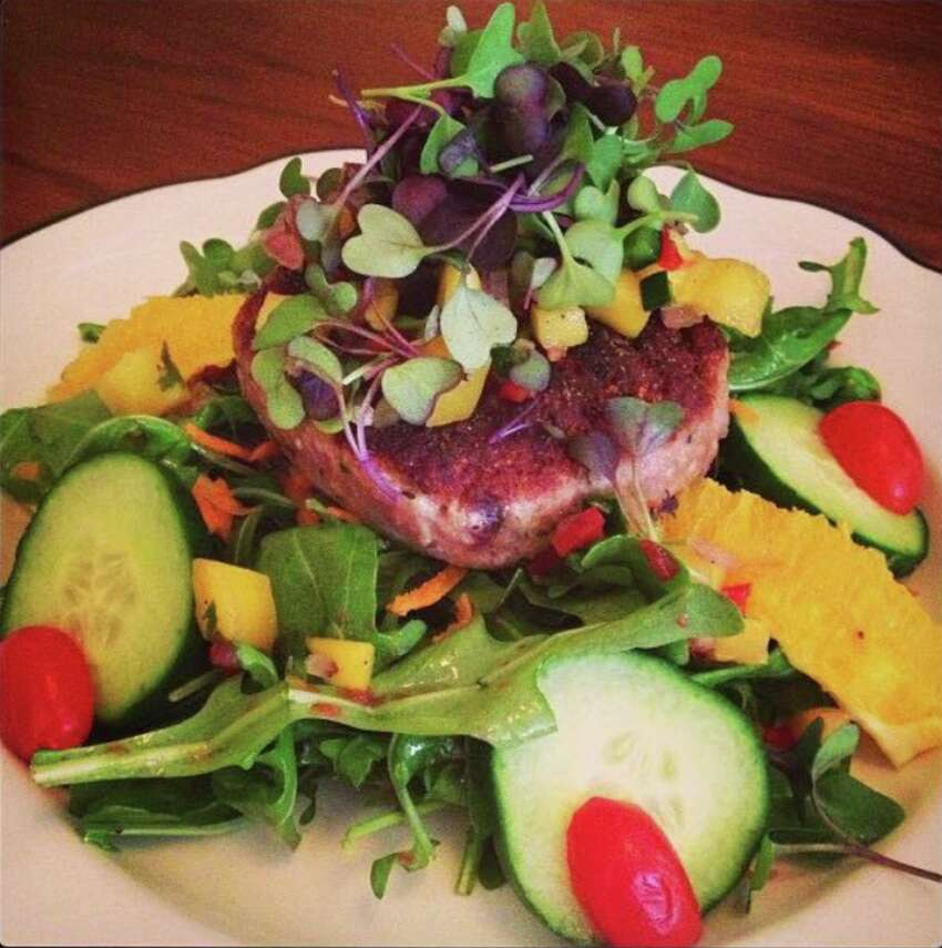Hidden Valley Eatery is an organic diner that caters to vegetarians and meat-lovers alike.