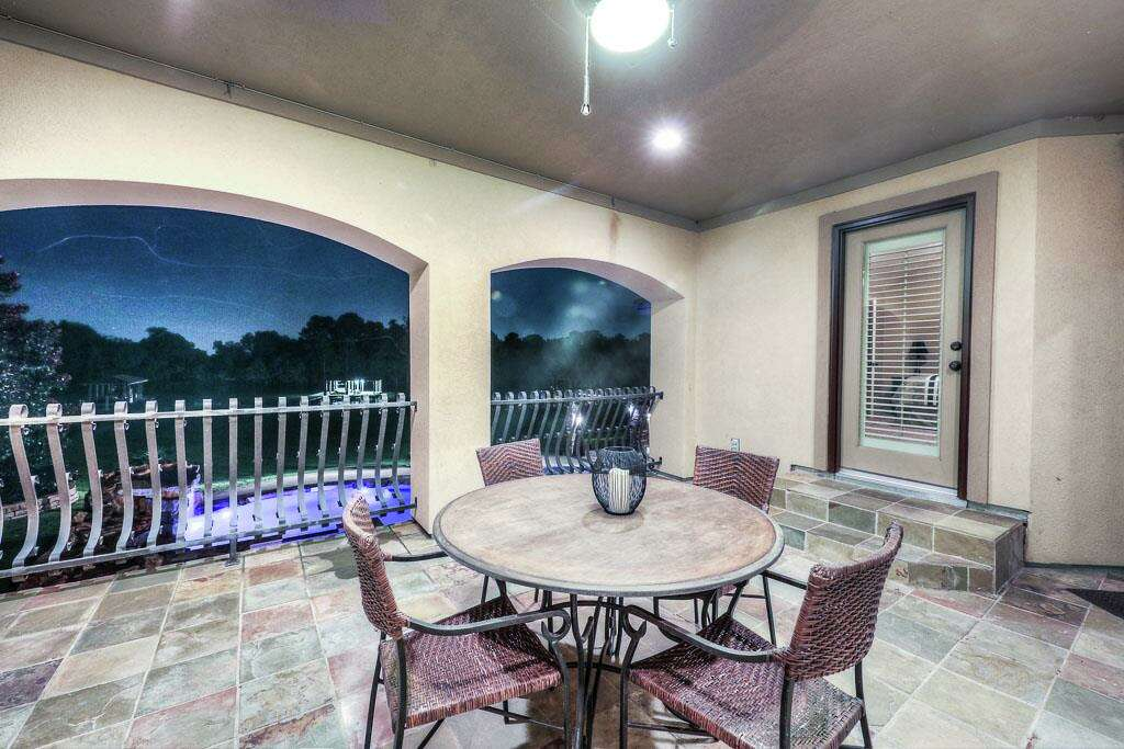 Kingwood 6211 S Royal Point Sold Oct 31 2016 Price