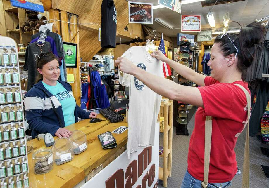Retail sales rose 0.4 percent, exceeding expectations, Commerce Department data showed. Excluding a slowdown at car dealers, the gain at retailers was even more impressive — up 0.8 percent, the most in four months. Apparel stores showed the largest jump in receipts since February of last year. Photo: Michael Brian /Associated Press / Loveland Reporter-Herald