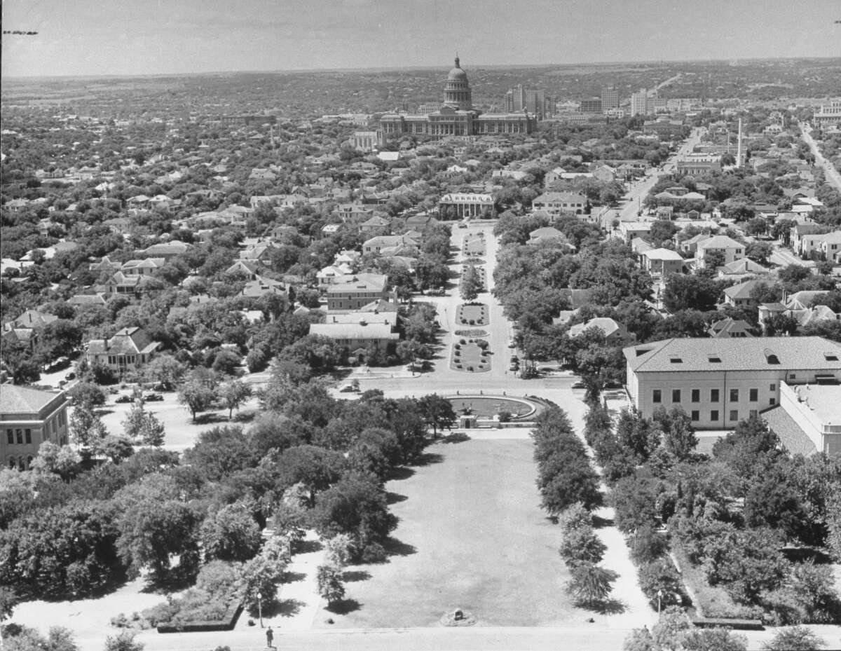 AUSTIN, UNITED STATES - JANUARY 01: Aerial of the state capital. (Photo by Alfred Eisenstaedt/The LIFE Picture Collection/Getty Images)